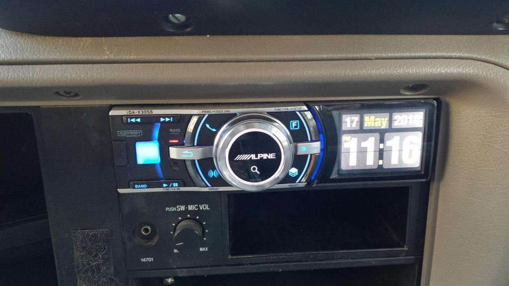 Alpine stereo unit that doesn't play CD's